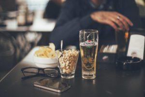 Bier_Nüsse_Finanzrocker