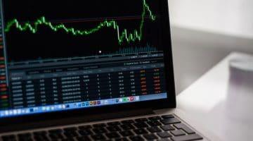 """""""Anleger machen häufig die gleichen Fehler"""" – Interview mit Dr. Christine Laudenbach vom ARERO-Team"""