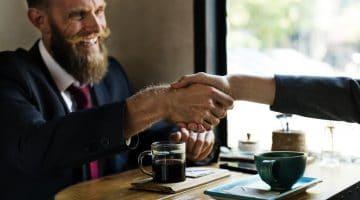 Richtig verhandeln und mehr sparen – Interview mit André Pittelkau