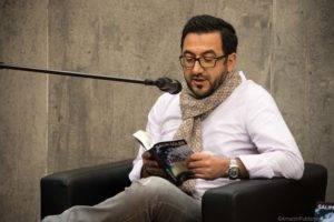 Salim Güler liest aus seinem Buch